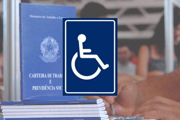 fotomontagem onde aparece no fundo uma carteira de trabalho e no destaque o símbolo do cadeirante
