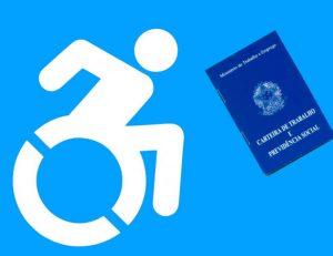 em um fundo azul, o símbolo da pessoa com deficiência e, à direita, a imagem de uma carteira de trabalho.